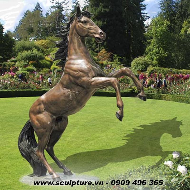 việc làm điêu khắc mẫu composite 2021